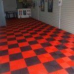 dalles de sol garage rouge et noir