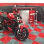 dalles de sol garage moto