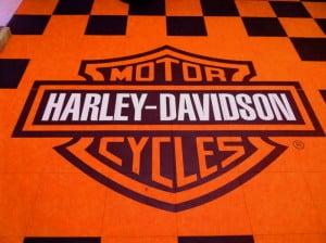 dalle de sol avec logo auto moto
