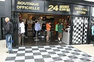 Dalles de sol Polydal pour la boutique officielle 24h du Mans