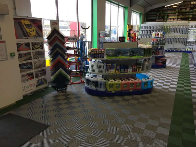 Showroom_Polydal_Barrier_Tours
