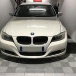 dalles de sol damier Polydal garage privé BMW