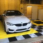 dalles de sol Polydal garage privé BMW M4
