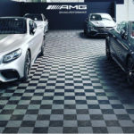 dalles de sol Polydal sol showroom Mercedes