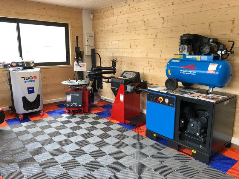 sol Polydal showroom atelier mécanique