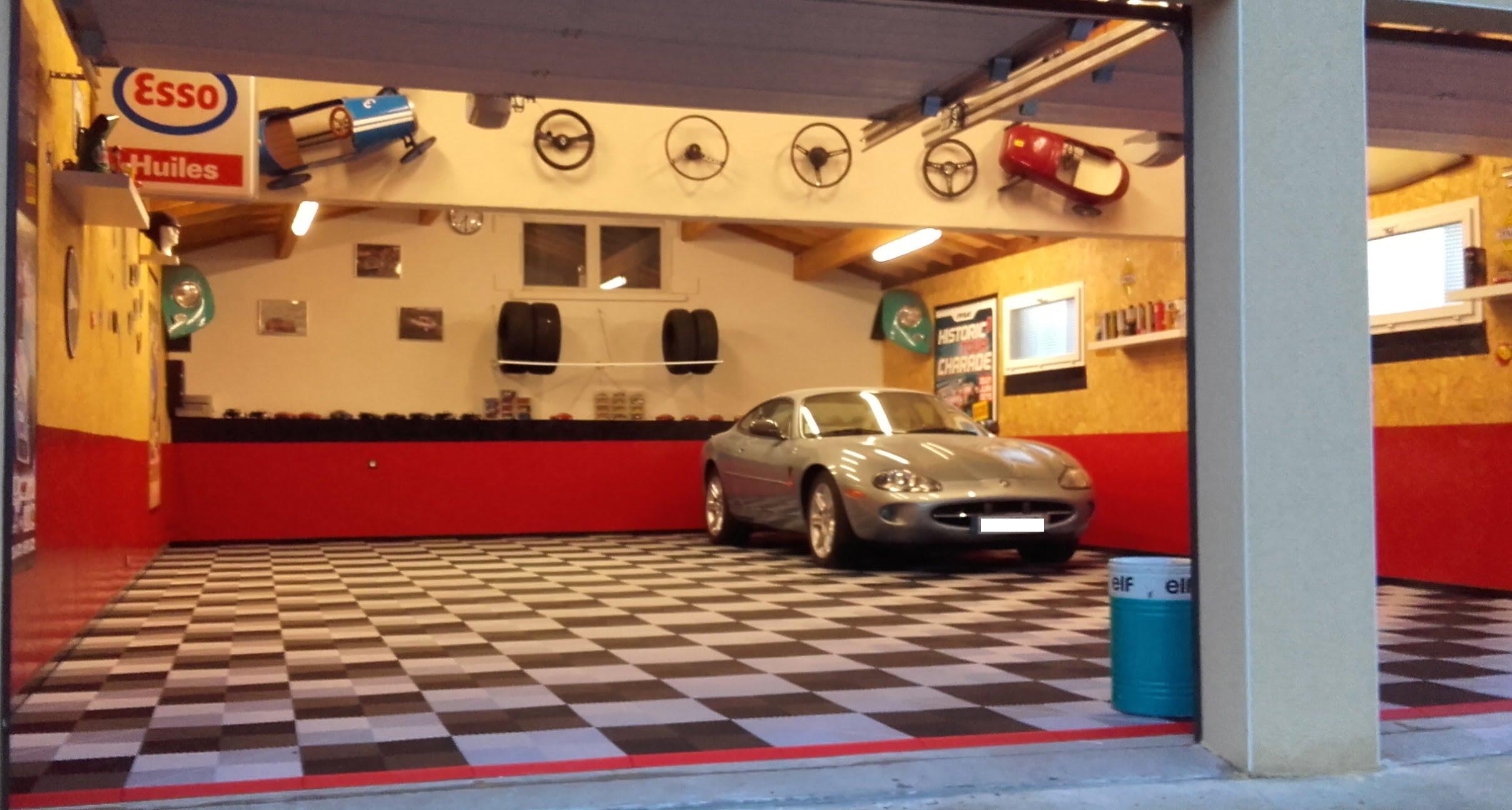sol de garage privé avec sol en damiers Polydal