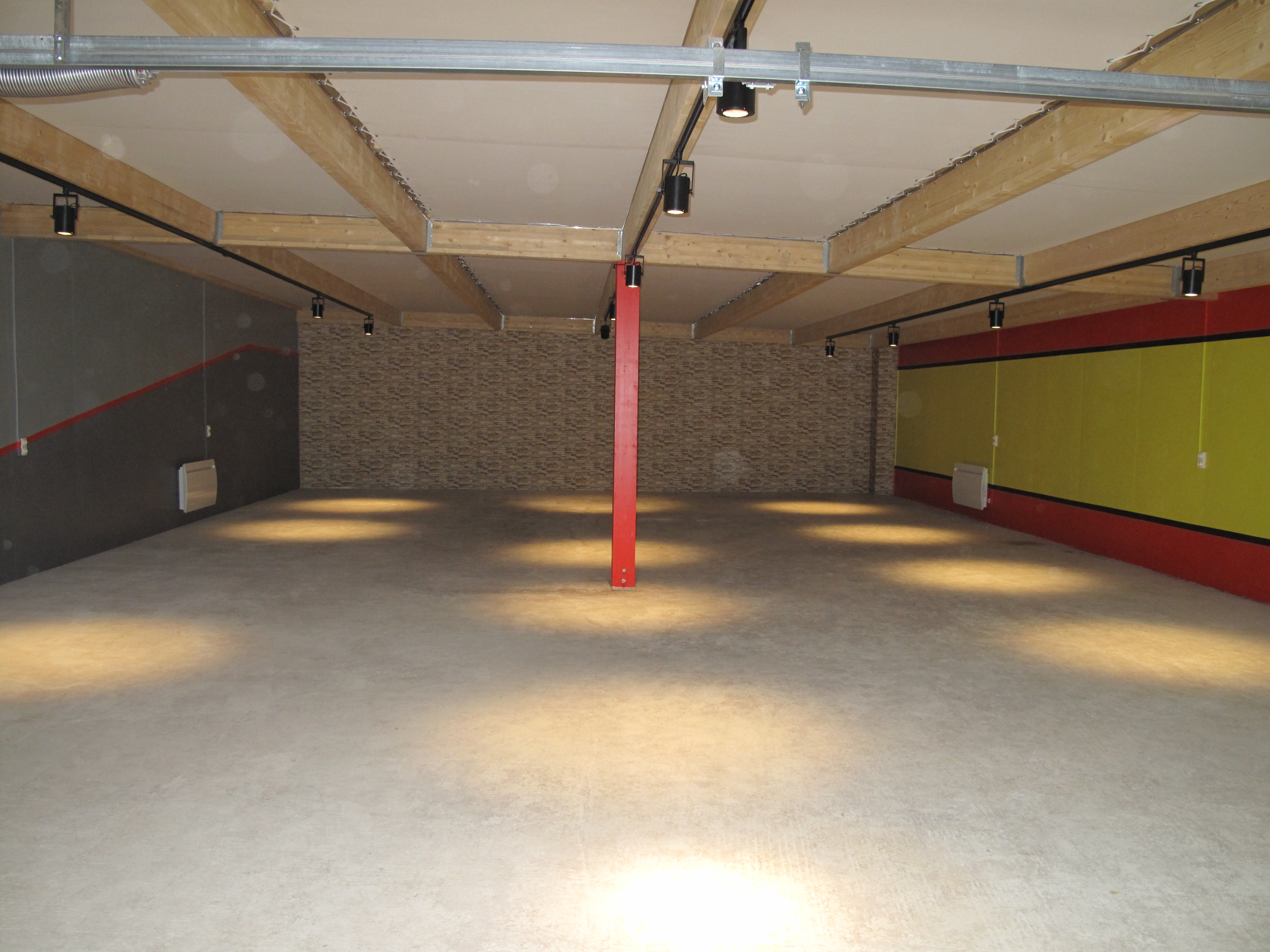 garage 12 places avant pose dalles Polydal