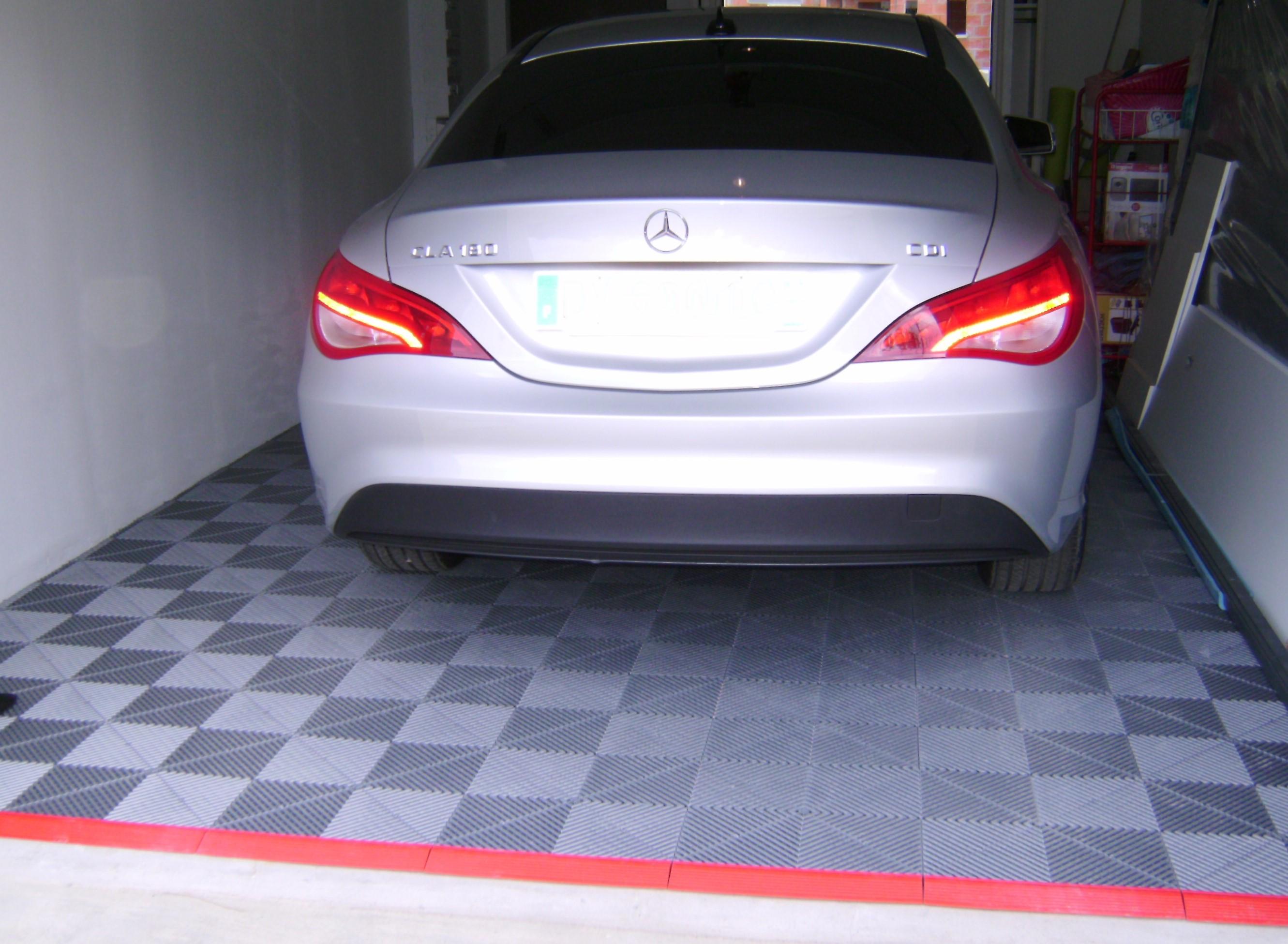 Polydal sol damier pour garage